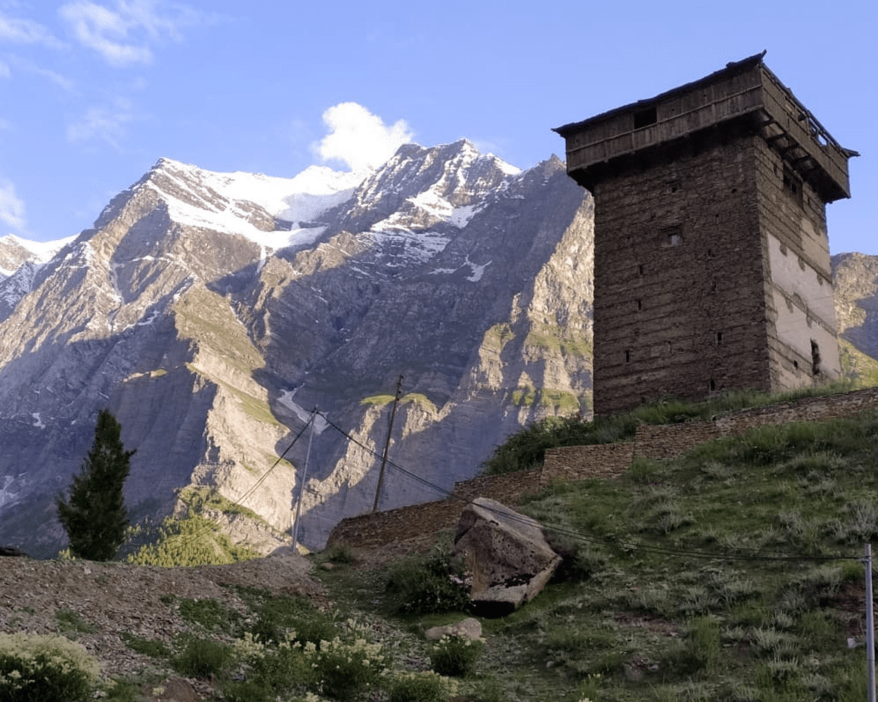 top workation destinations in Himachal